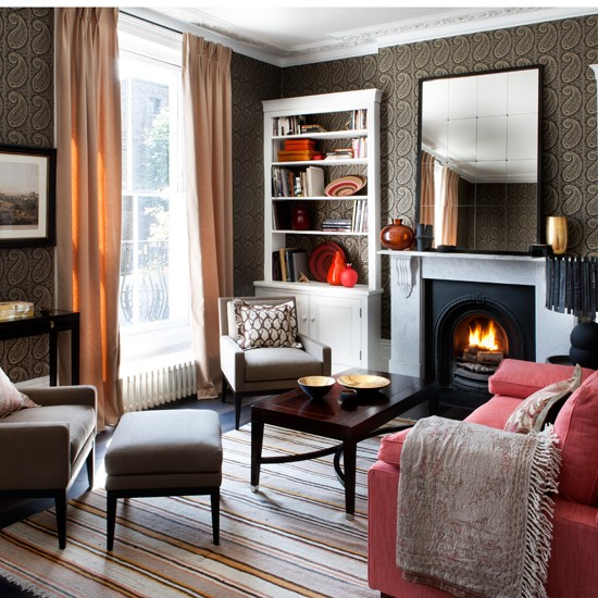 Paisley-Wallpapered-Living-Room-Homes-and-Gardens-Housetohome