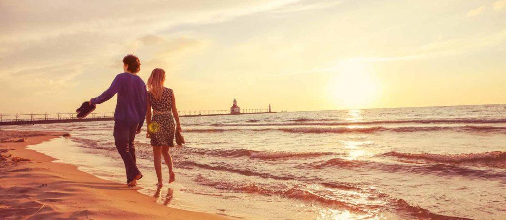 Прогулянка вздовж пляжу