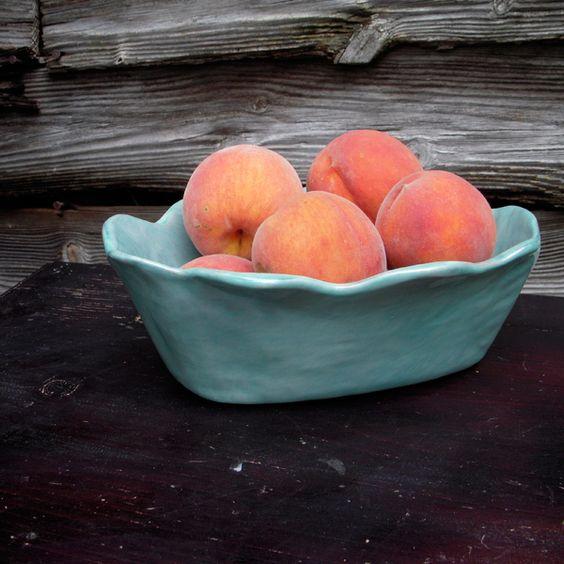 Миска із фруктами