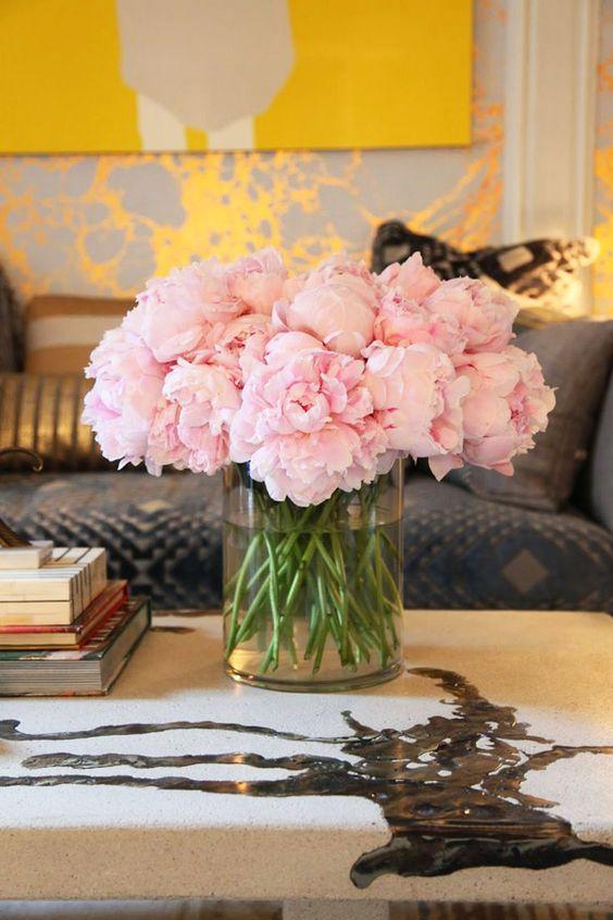 Свіжі квіти для декорування оселі