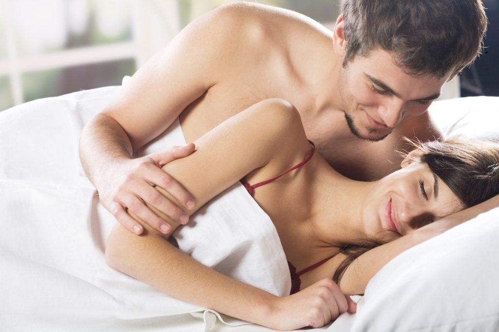 Закохана пара зранку