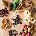 Засушені фрукти як декор