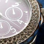 Яскравий годинник