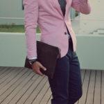 Рожевий в одязі чоловіків