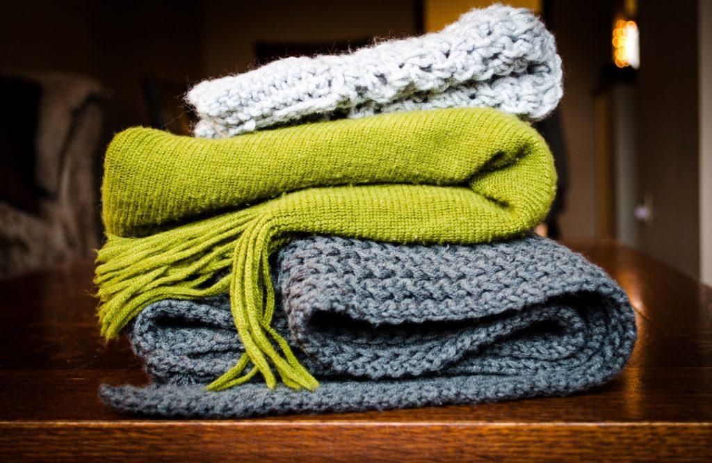 Поради щодо прання, сушіння та зберігання речей з різних тканин та матеріалів