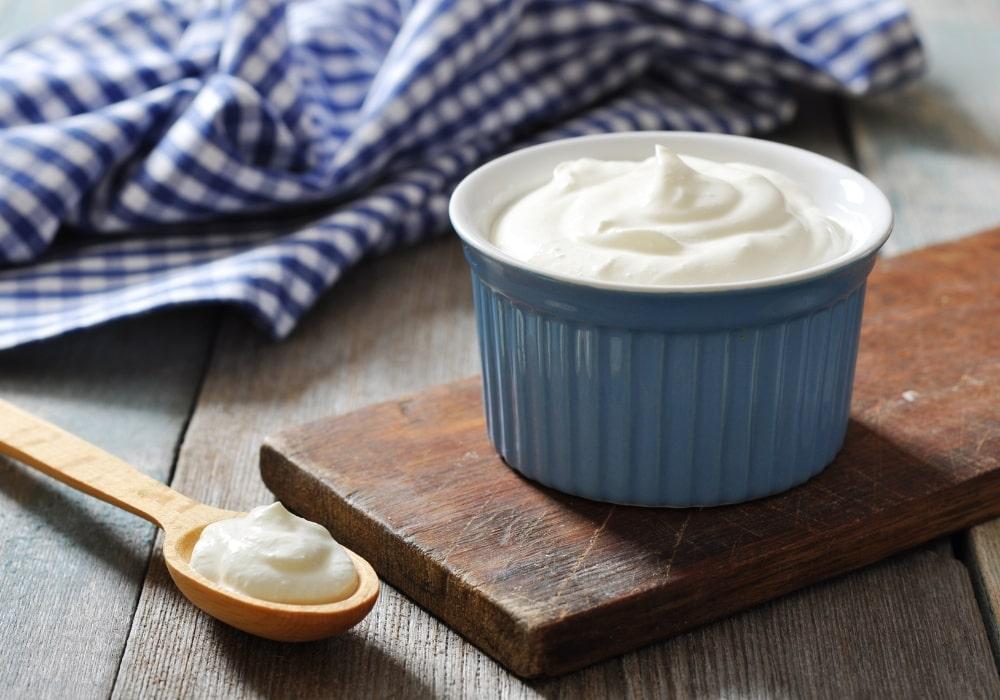 Як йогурт допомагає впоратися з несвіжим диханням