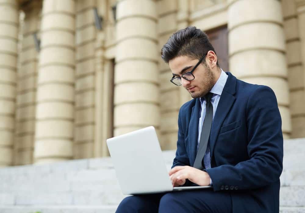 Що потрібно робити, аби швидше знайти роботу
